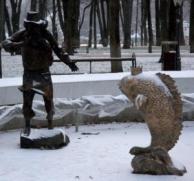 Скульптуры «Золотая рыбка» и «Старик»