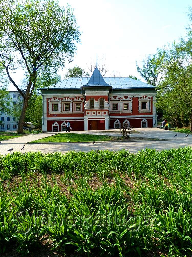 Экспозиционное здание в доме Коробовых
