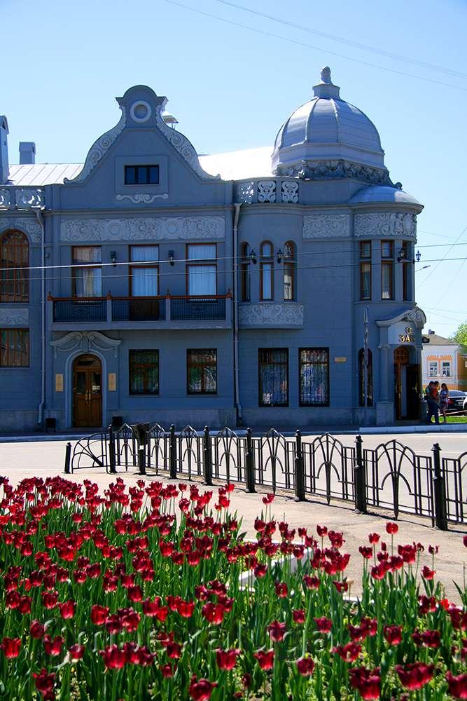 Усадьба XIX-XX веков (усадьба купца Теренина, здание Дворца Торжеств)