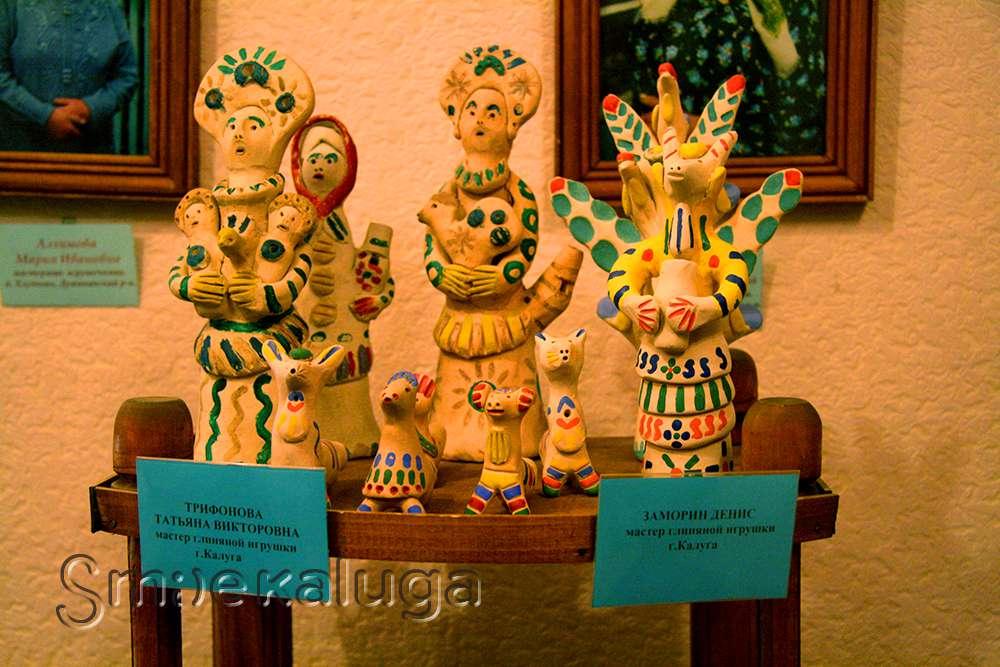 В Доме мастеров открылась выставка «Вселенная керамики»
