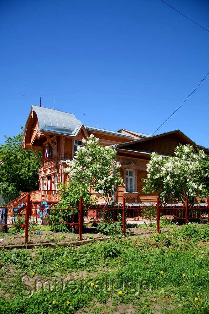 Дом жилой (деревянный) (дом князя Волконского, дом Слесаревых)