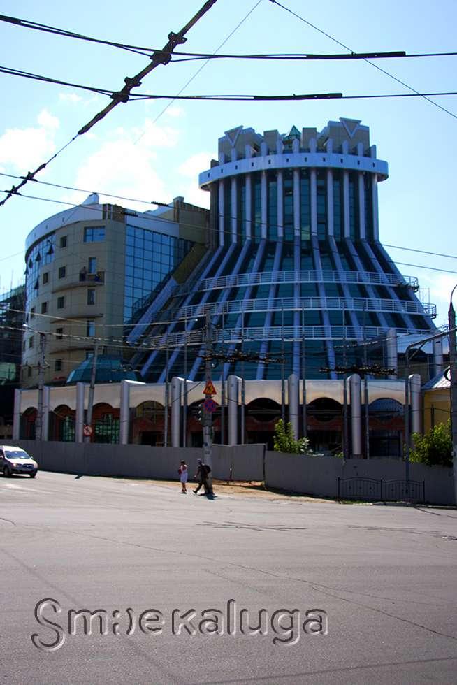 Когда достроят «Шератон», что будет в новом торговом центре на улице Дзержинского, и какие задачи намечены в сфере строительства жилья?