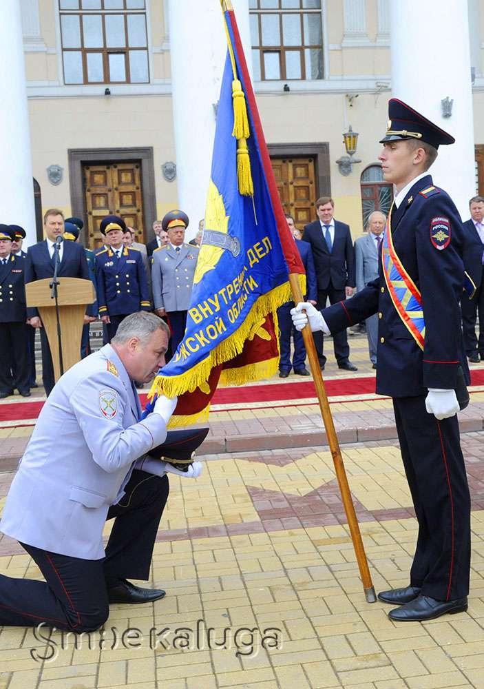 УМВД России по Калужской области получило новое знамя, «старое» отправлено в музей