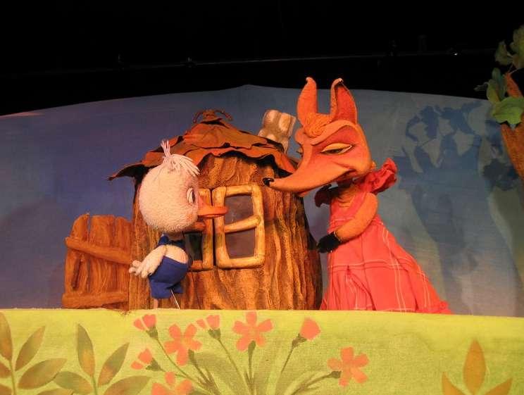 Спектакль «Гусёнок Дорофей» в Калужском театре кукол