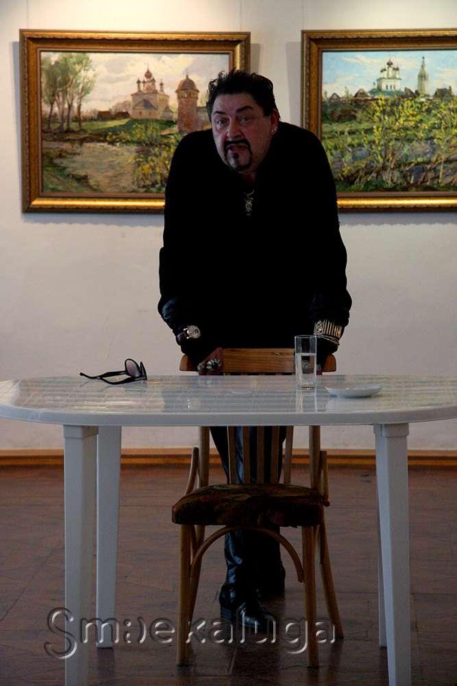 Во второй день фестиваля «Угра» Игорь Дадиани рассказал студентам о профессии художника по костюмам