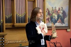 Никас Сафронов с подарками калуга