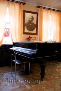 Рояль, на котором играл С. И. Танеева в Калуге (находится в Музее истории развития музыкального образования в Калужском крае им. В. К. Крупичатова) калуга