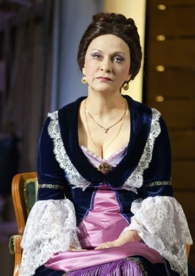 Комедия «Без вины виноватые» в Калужском областном драматическом театре