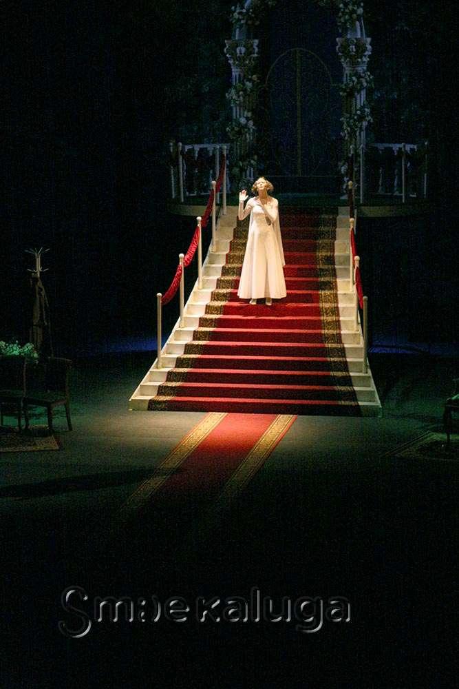 В Калужском драматическом театре поставили «Комнату невесты» Валентина Красногорова