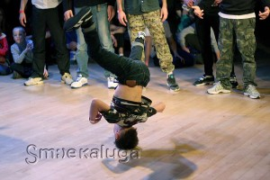 Юный участник фестиваля (из тех, что даст фору взрослым танцорам)