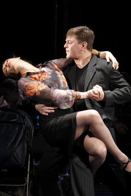 Музыкально-пластические новеллы «В ожидании танго» в Калужском областном драматическом театре