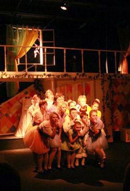 Лучшим по итогам IX театрального фестиваля «Миг» в Обнинске стал спектакль Молодёжного театра