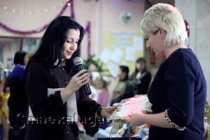 Победители получили дипломы и призы (их вручала Яна Васина) калуга