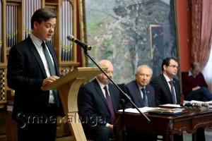 Павел Суслов читает доклад калуга