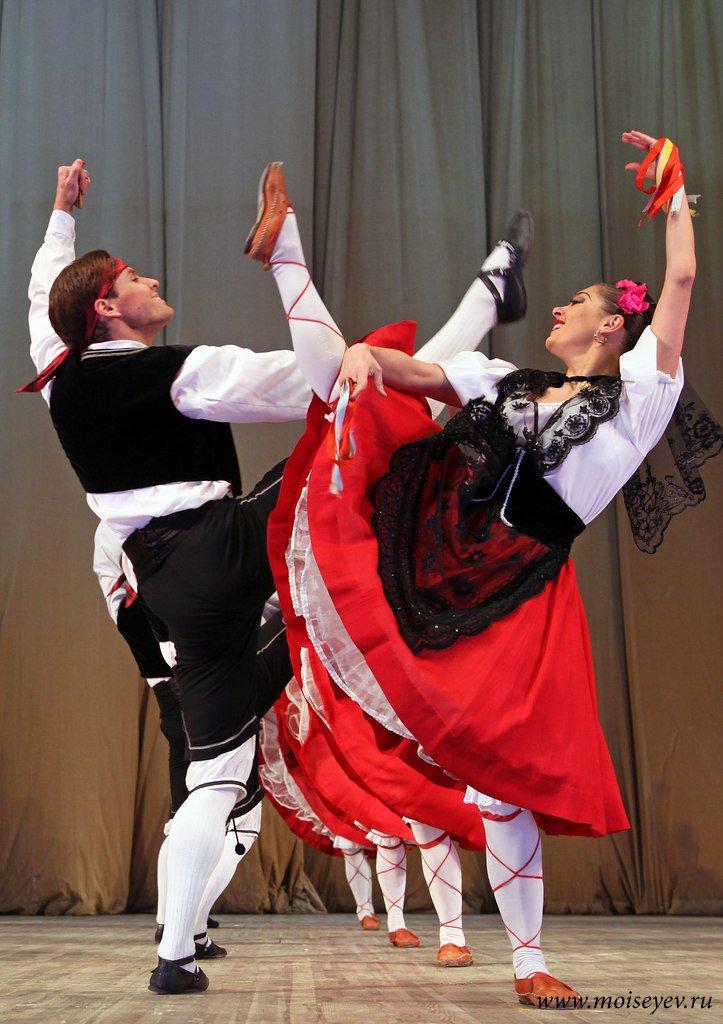 Государственный ансамбль народного танца им. И. Моисеева покажет в Калуге «Танцы народов мира»