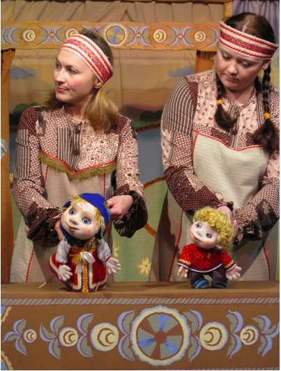 Спектакль «Гуси-Лебеди» в Калужском театре кукол
