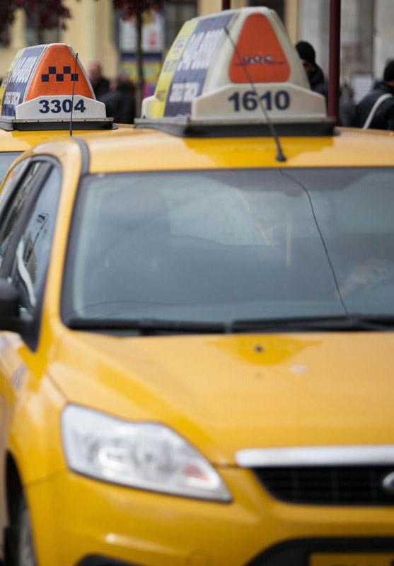Калужские депутаты предлагают установить единую цветовую гамму для всех такси в России