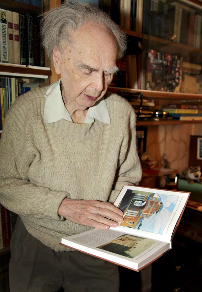 Писатель Сергей Васильчиков предложил в Год литературы открыть в библиотеках выставки калужских авторов