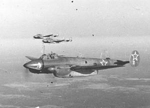 Группа бомбардировщиков Пе (источник fotowarmotors.ru) калуга