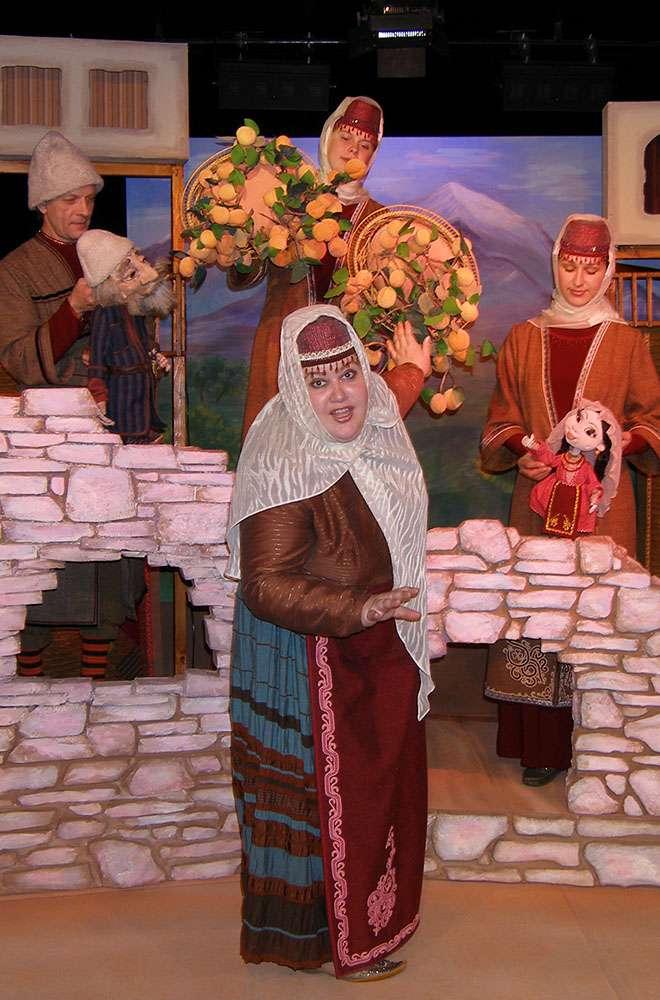 Спектакль «Абрикосовое дерево» (Н. Осипова) в Калужском театре кукол