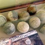 Каменные ядра из слоя пожара XV века калуга