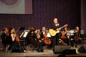 Дмитрий Илларионов сообщает о том, что на фестивале собираются деньги на лечение музыканта Михаила Корнишина калуга