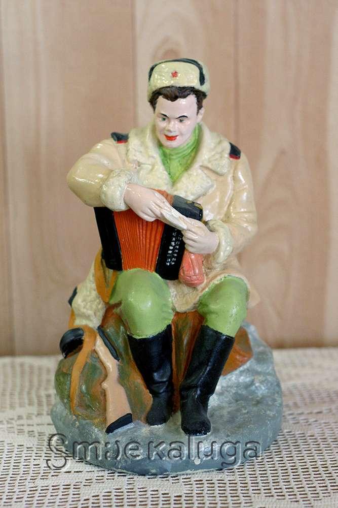 В Доме мастеров открылась выставка оружия в миниатюре