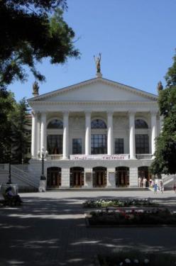 В Севастополе завершились гастроли Калужского областного драматического театра: в следующем году севастопольцы приедут в Калугу