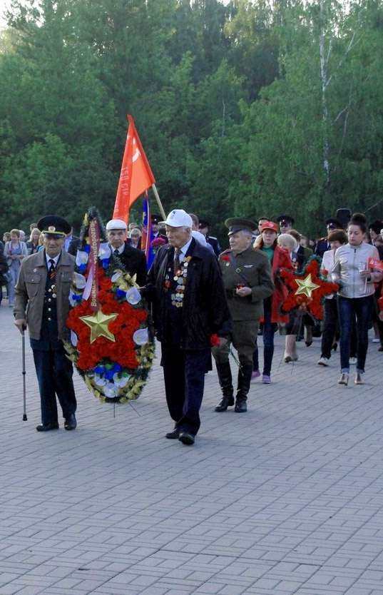 В Калуге в четыре часа утра прошёл митинг, посвящённый Дню памяти и скорби