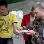 Гостей угощали шашлыком города калуга