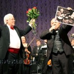 Ларри Корьеллу вручили фотографию, где он изображён вместе с Толстым калуга