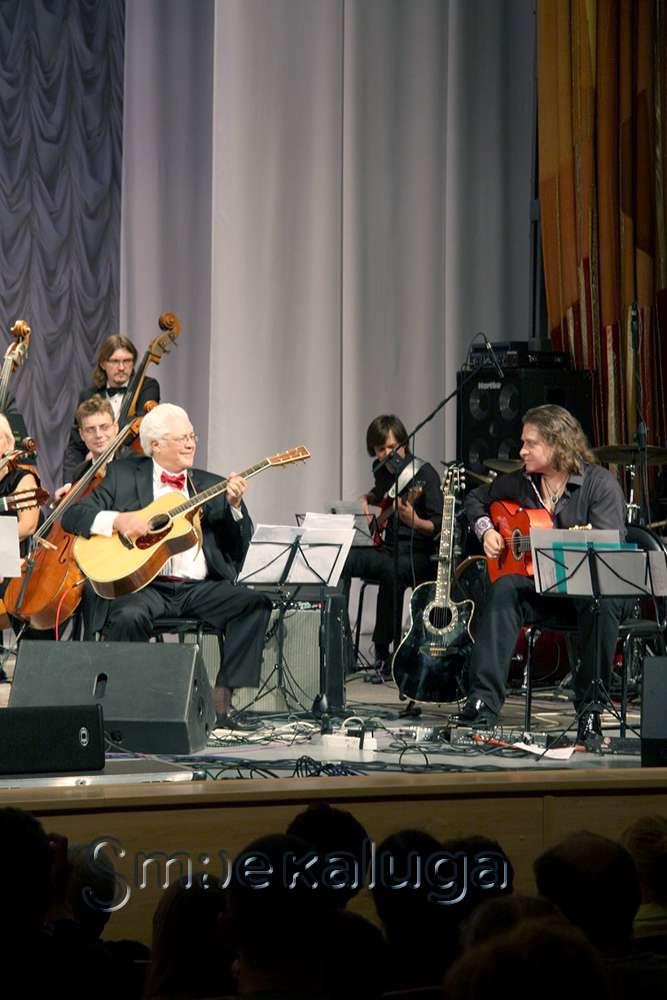 В финальный день XVIII фестиваля «Мир гитары» состоялась российская премьера авторского проекта Ларри Корьелла – оперы «Война и мир»
