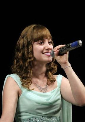 Эвелин Велламо: «Я с детства пою и без этого не могу жить»