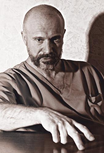 Калужский писатель и драматург Андрей Убогий вошёл в число победителей конкурса по поддержке современной драматургии