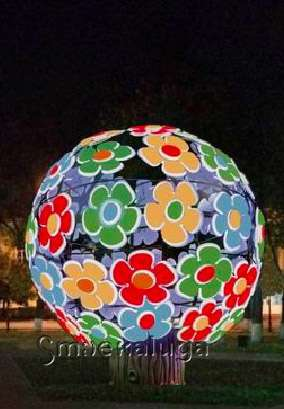 Ко Дню города на центральных площадках «вырастут» светящиеся цветочные деревья, а на Театральной улице появятся светящиеся бабочки
