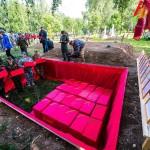 Торжественное захоронение останков