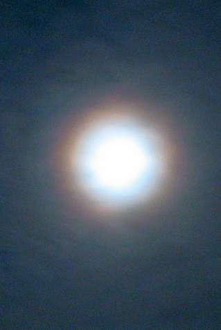 В небе над Калугой наблюдали малые Венцы вокруг Луны
