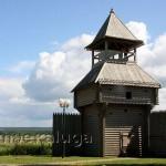 Стилизованная смотровая башня в Городском парке козельск