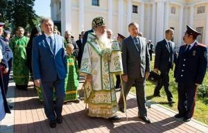 Слева направо: Анатолий Артамонов, митрополит Калужский и Боровский Климент, Александр Беглов калуга
