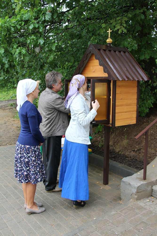 В Калуге начали установку православных «уличных библиотек»