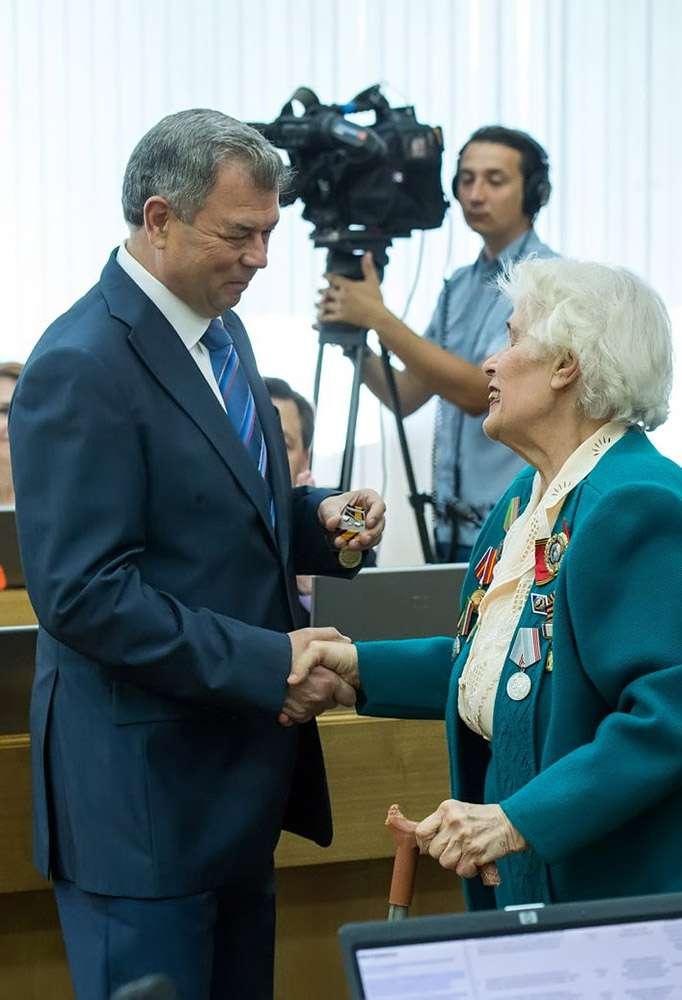 Николай Любимов, Руслан Смоленский и Татьяна Романова награждены медалями