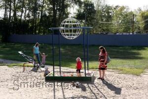 Сквер с детской площадкой калуаг
