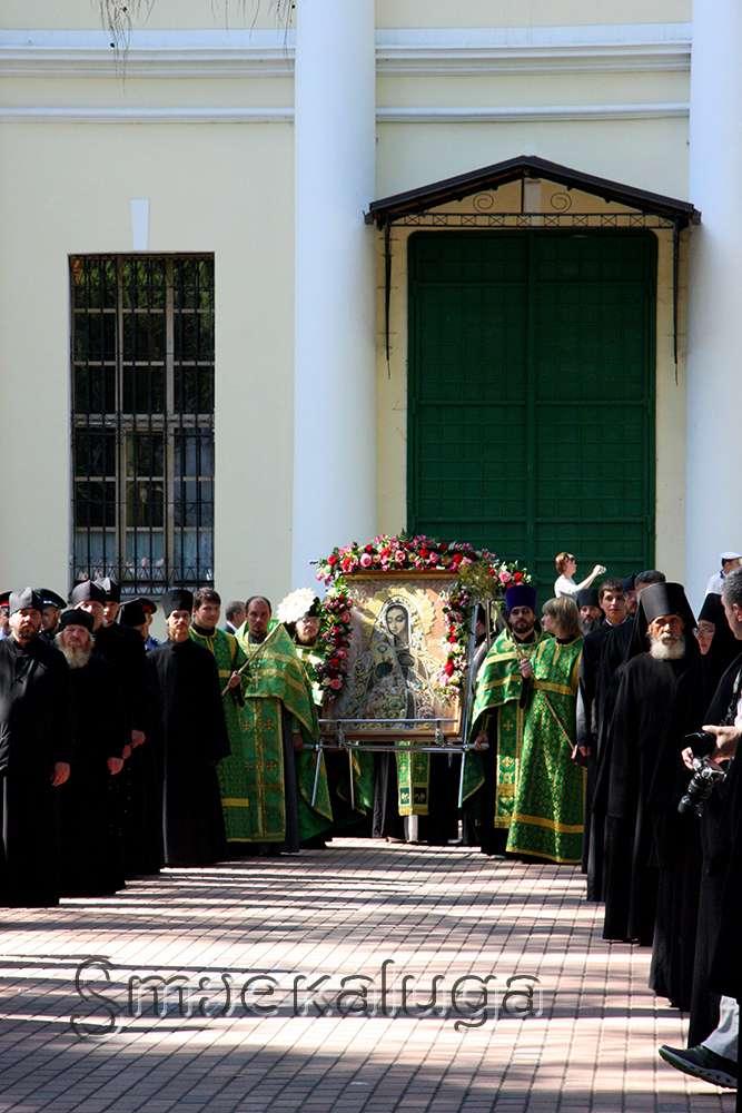 500-летие Свято-Лаврентьева монастыря в Калуге отметили Крестным ходом