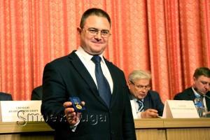 Руслан Смоленский с раритетной медалью для врио губернатора калуга