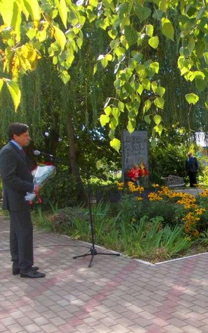 В микрорайоне Куровской открыли обелиск воинам-освободителям