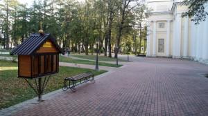 Православная уличная библиотека в парке калуга