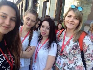 Калужские студентки-волонтёры калуга