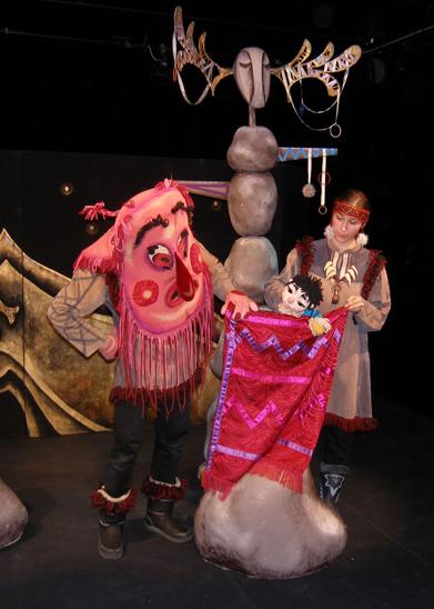 Спектакль «Северная сказка» в Калужском театре кукол