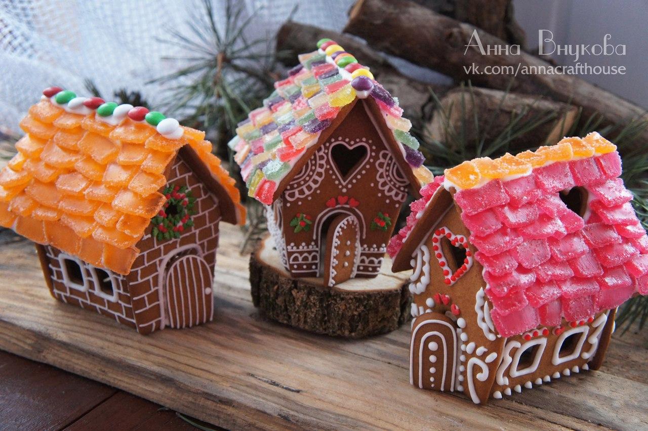 Пряничные домики, флорариум «тиффани», украшения из камней: лофт «Циолковский» приглашает на новогоднюю ярмарку