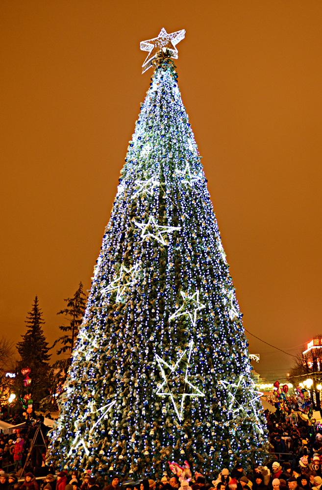 Новогодние праздники в Калуге: ярмарка, резиденция Деда Мороза и главная ёлка города